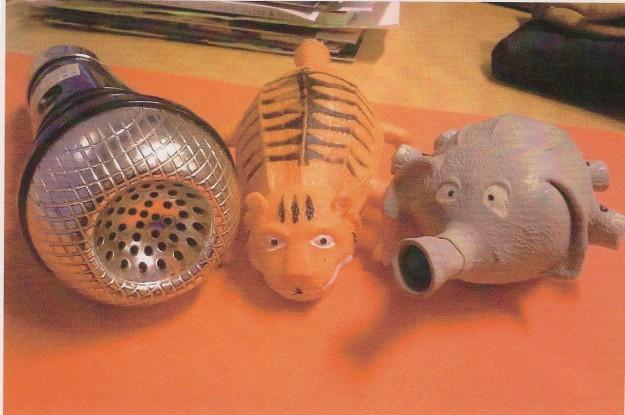 Elefantti - Antti ja Mimmi -tiikeri, pikkukaverin voimaeläimet, jotka innostuvat välillä räppäämäänkin, vaikka vokaaliäänteillä.